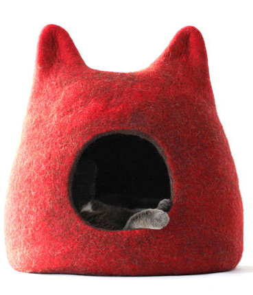 Pippi's new chair & 5 cat beds your cat really wants