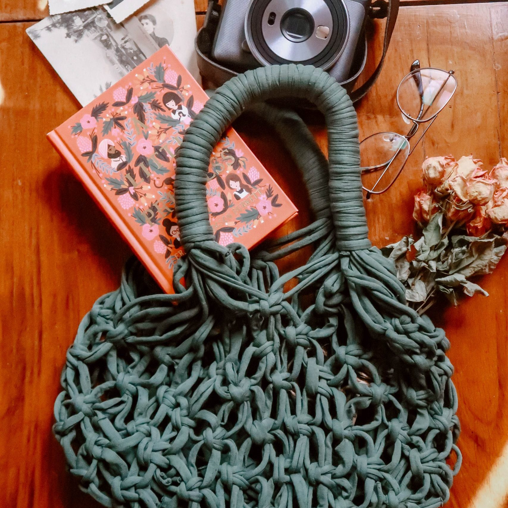 DIY macrame market bag from recycled T-shirt yarn