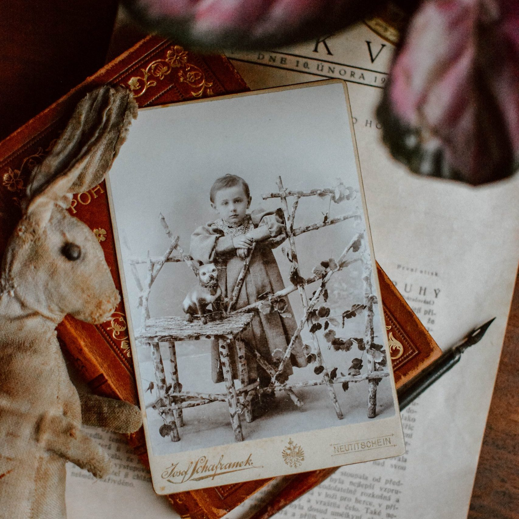 aPRAGUEment 101: Turn your old family photo into wall art (+discount code!)