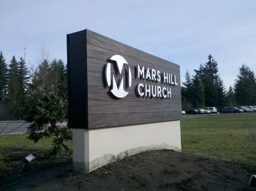 Custom Monument Signs To Gain Attention For Your Business