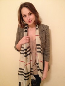 mixing prints, check scarf, tweed blazer