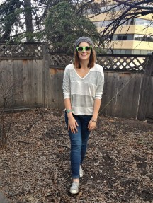 slouchy grey stripes, skinny jeans, converse, beanie and wayfarers