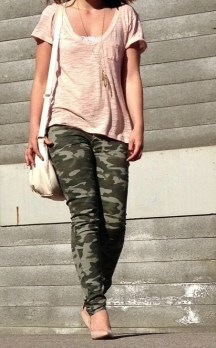 spring outfit - camo pants, loose coral tshirt, nude bag and heels