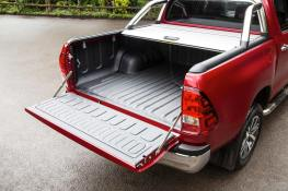 2016-Hilux-Invincble-Ext-Static-10