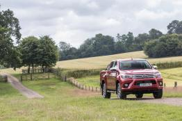 2016-Hilux-Invincble-Ext-Static-5