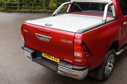 2016-Hilux-Invincble-Ext-Static-9
