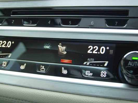 _BMW-740Ld-xDrive_gadgets_8
