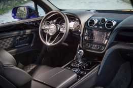 Bentley Bentayga recieves Game Changer Award from Autocar Magazine 08