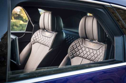 Bentley Bentayga recieves Game Changer Award from Autocar Magazine 09