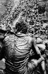 SALGADO SALGADO_1986_La mine d'or de la Serra Pelada. Porteursl
