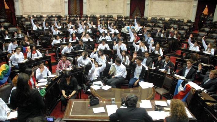 Los chicos se hacen cargo: adolescentes debatieron en el Congreso sobre bullying, violencia y discriminación