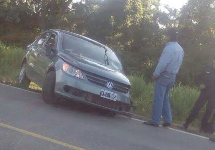 El Volkswagen Gol, uno de los autos involucrados en el choque dejó cuatro policías heridos, dos de ellos en grave estado.