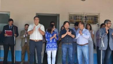 Photo of El gobernador entregó dos ambulancias para el hospital de Tartagal y presentó nuevo plantel médico