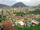 Falso HDR de la vista desde lo alto del morro Dona Marta, en la favela Santa Marta, Botafogo. Enero de 2012