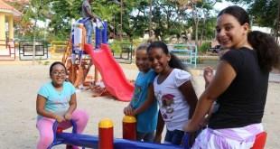 Niñas jugando en el Parque de El Canchón