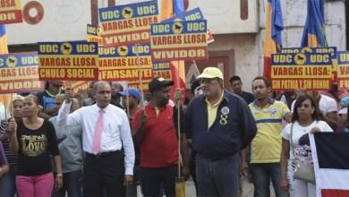 """Photo of Luis """"El Gallo"""" dice es vergüenza den premio literario PHUa Vargas Llosa"""