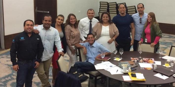 Alberto Zayas y el equipo de MercadoSocial