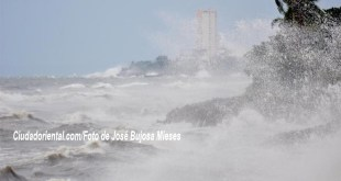Mar Caribe revuelto por Matthew