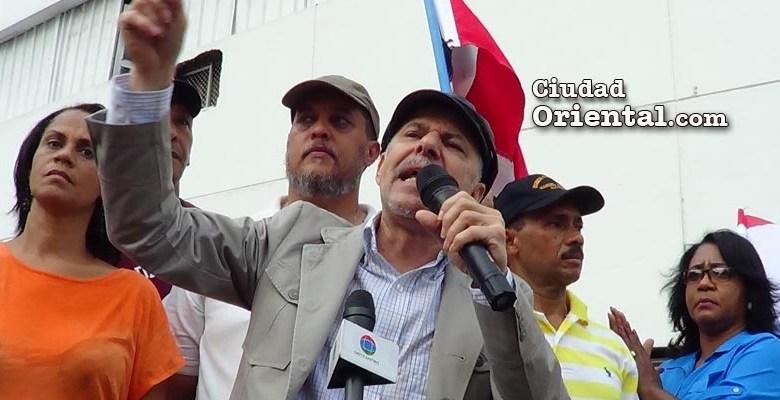 Manuel Jiménez da discurso