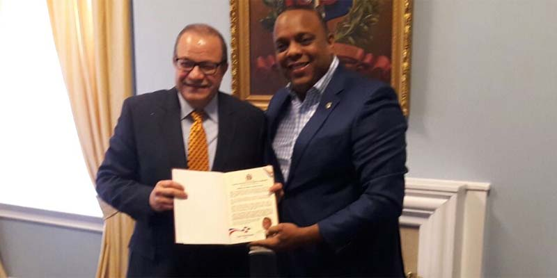 Luis Henríquez se reúne con líderes personalidades diáspora RD en USA