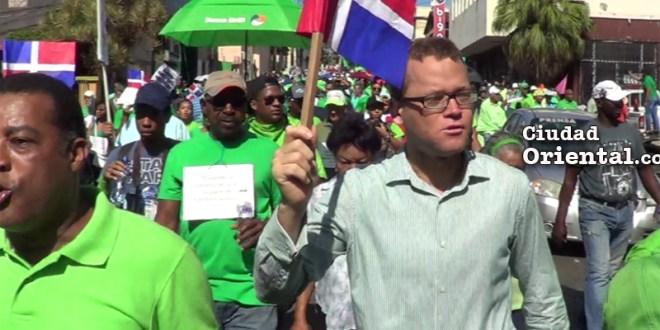 Orbis Beltré, unos de los ateos más radicales de República Dominicana, en la marcha anticrrupción