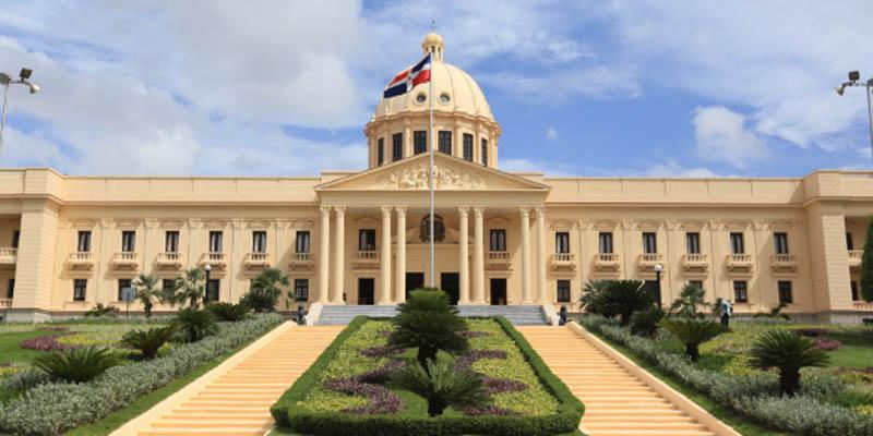 """¿Quién se autoproclamará """"presidente encargado"""" en República Dominicana si se produjera la reelección de Medina?"""
