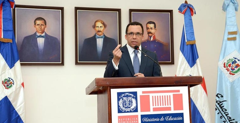 Andrés Navarro, Ministro de Educación