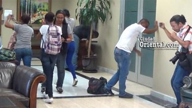 Photo of Vídeos +Fotos – Así fue el ataque químico a los jóvenes anti corrupción  en la PGR