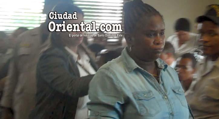 "Video- Condenan a 20 años mujer infirió puñalada con ""saca hígado"" a otra"