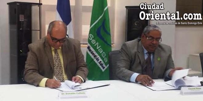 Chanel Rosa Chupany, director ejecutivo de SeNaSa, y Donaldo Collado, pres. de SODOCARDIO