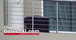 Uno de los dos sistemas de aire acondicionado instalados junto en la oficina del alcalde Alfredo Martínez