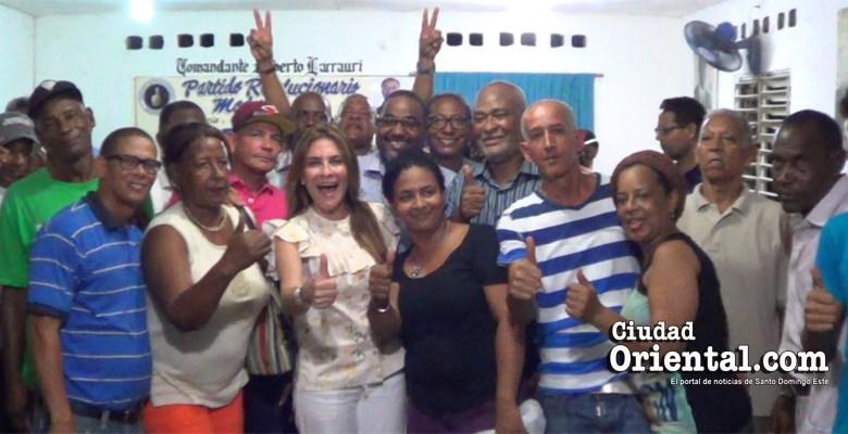 Miembros del equipo H20 en Los Mina
