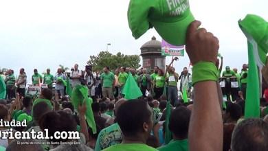 """Los """"verdes"""" cantan el Himno Nacional al inicio de la marcha del 16 de Julio"""