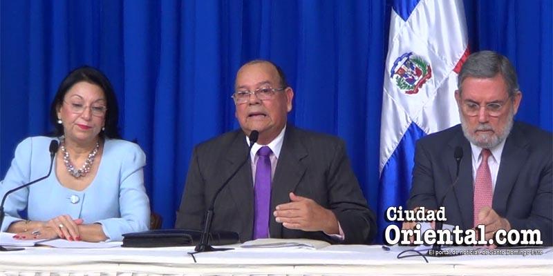 ¿Qué tan cierta es esta lección de economía que da Carlos Segura Foster? + Vídeo