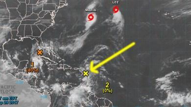 La flecha amarilla señala la onda tropcal