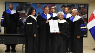 "Photo of UASD otorga título de ""Profesora Honoraria"" a la docente cubana Turner Martin"