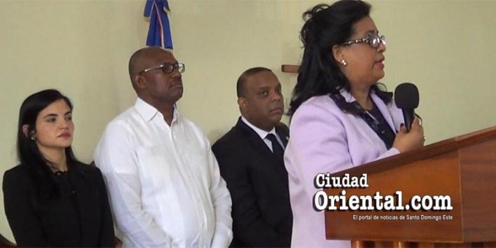 Senadora Cristina Lizardo