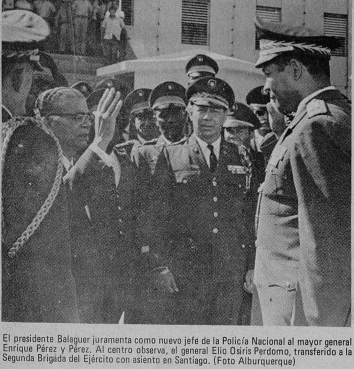 Balaguer juramenta a Pérez y Pérez como jefe de la PN