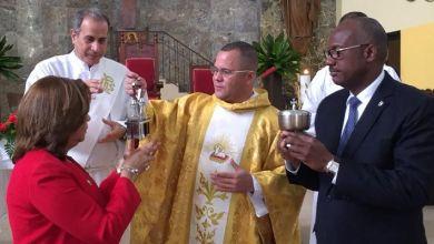 Photo of El padre Frankely quiere obligar a los regidores ir a misa; se olvida de la libertad de culto
