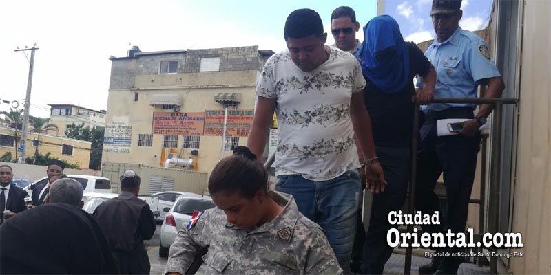 Tribunal envía a prisión a regidor del PRM y otros dos imputados de narcotráfico