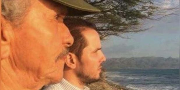 Los dos Claudio: padre en hijo en Playa Caracoles