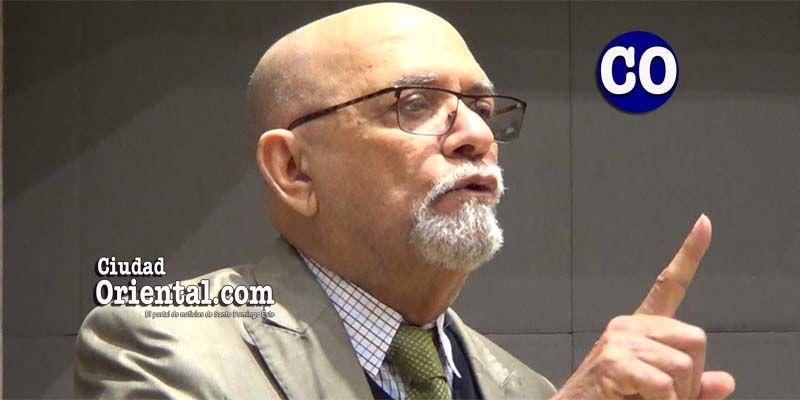 Regidor Tácito Perdomo propone resolución para sacar extrajeros ilegales de SDE