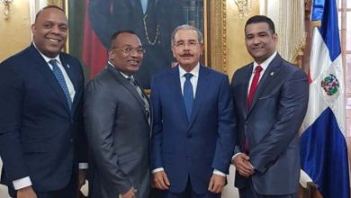 Desde la izquierda, Luis Henríquez, Domingo Barett, Danilo Medina y Luis Alberto Tejeda