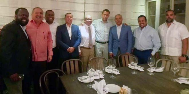 Reunión del Movimiento de Rescate del PRD con el ex alcalde de SDE, Francisco Fernández