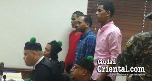 Los imputados por el asesinato de la maestra escuchan la sentencia.
