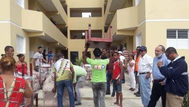 Photo of El director de la OISOE entrega apartamentos en Villa Liberación