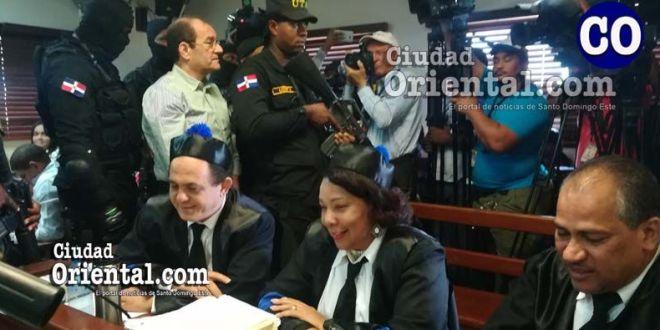 Nelson Rizik Delgado, al ser retirado de la Sala de Audiencias.