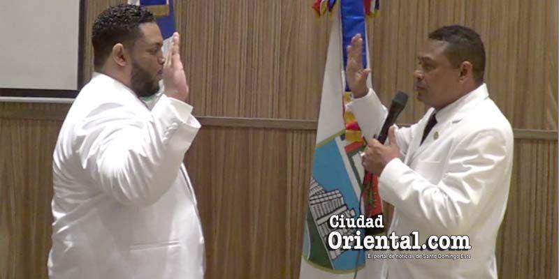 Un concejal que se la pasa chateando en la Sala Capitular es el nuevo Vice Presidente del Concejo de Regidores