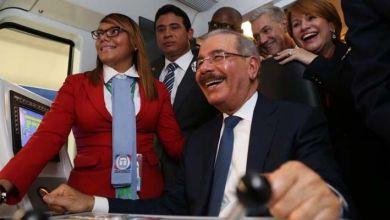 """Photo of ¿Danilo Medina ha encendido el """"tren de la reelección""""?"""