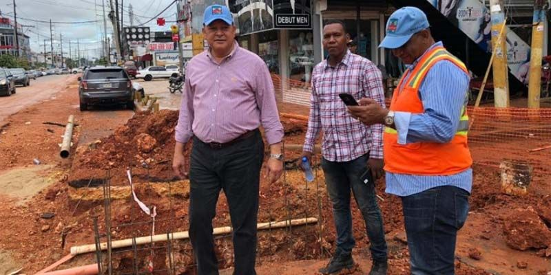 El Director de la CAASD, Alejandro Montás, miente en relación a los trabajos en la avenida Venezuela